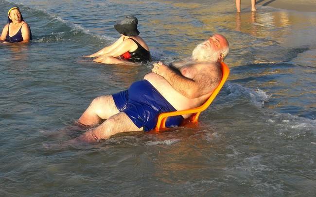 Những bức ảnh ấn tượng chỉ có thể bắt gặp ở bãi biển khiến ai nhìn thấy cũng phải cười sái quai hàm mới thôi - Ảnh 3.