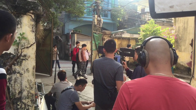 Rộ tin Huỳnh Anh thường xuyên đi trễ, bắt đoàn phim Chạy trốn thanh xuân đợi hơn 2 tiếng  - Ảnh 7.