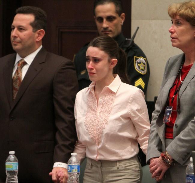 Vụ án bà mẹ trẻ độc ác giết con gái 3 tuổi, vài ngày sau tiệc tùng thả ga, nói dối cảnh sát nhưng cuối cùng vẫn được tuyên trắng án - Ảnh 6.