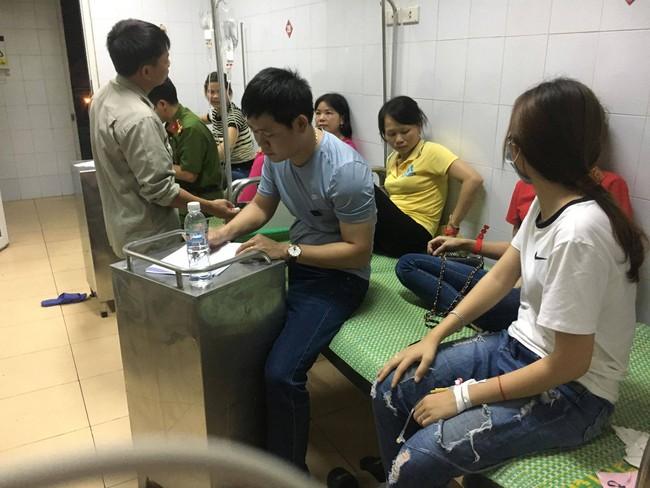 Sau bữa ăn trưa, gần 90 công nhân của công ty TNHH HaHae Việt Nam phải nhập viện cấp cứu - Ảnh 1.