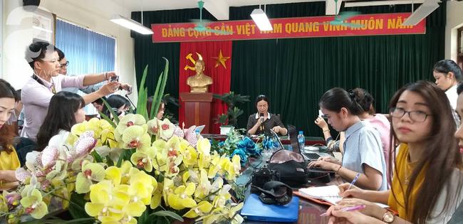Vụ thầy giáo dạy Toán nghi dâm ô 7 nam sinh: Hiệu trưởng trường Trần Phú cho rằng đây chỉ là trò đùa quá mức - Ảnh 1.