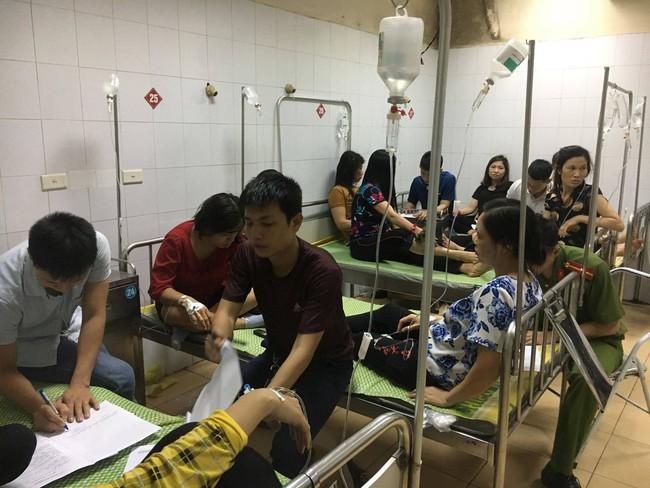 Sau bữa ăn trưa, gần 90 công nhân của công ty TNHH HaHae Việt Nam phải nhập viện cấp cứu - Ảnh 2.
