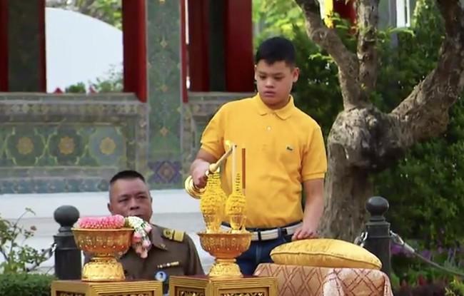 Cuộc sống của Hoàng tử nhỏ và Vương phi Thái Lan bị phế truất giờ ra sao sau 5 năm hai mẹ con bị chia tách khiến nhiều người xót xa? - Ảnh 11.