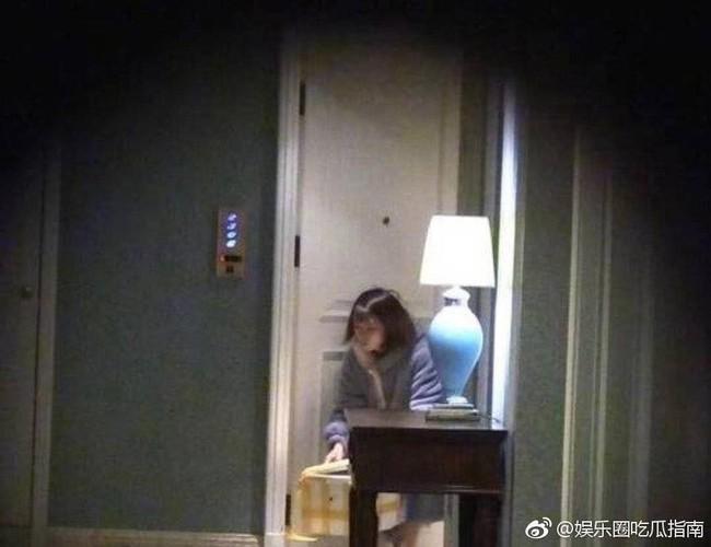 Drama ngoại tình hot nhất Cbiz: Không có bà cả, tiểu tam mặc sẵn đồ ngủ chờ sao nam Hoa Thiên Cốt quay phim về - Ảnh 2.