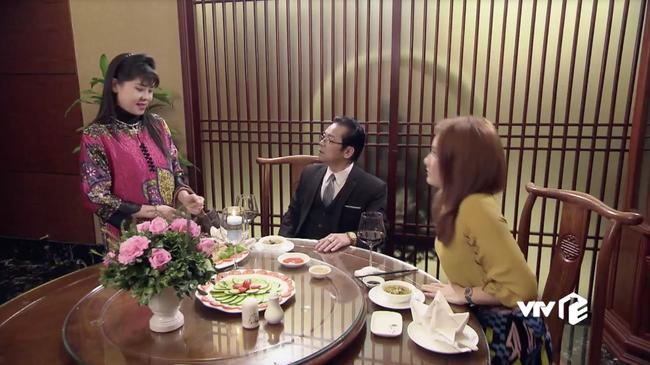 Lão già dê xồm từ Những cô gái trong thành phố sang tận Về nhà đi con gạ gẫm, mời Bảo Thanh đi ăn tối - Ảnh 8.