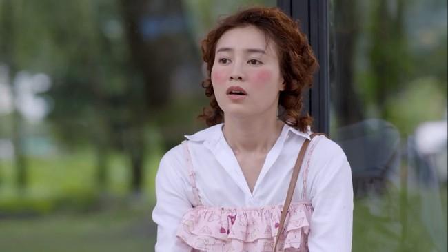Huỳnh Anh lại gây choáng khi bày tỏ thấy thật... vô phúc cho ai thuê đạo diễn phim của Chi Pu - Lan Ngọc  - Ảnh 3.