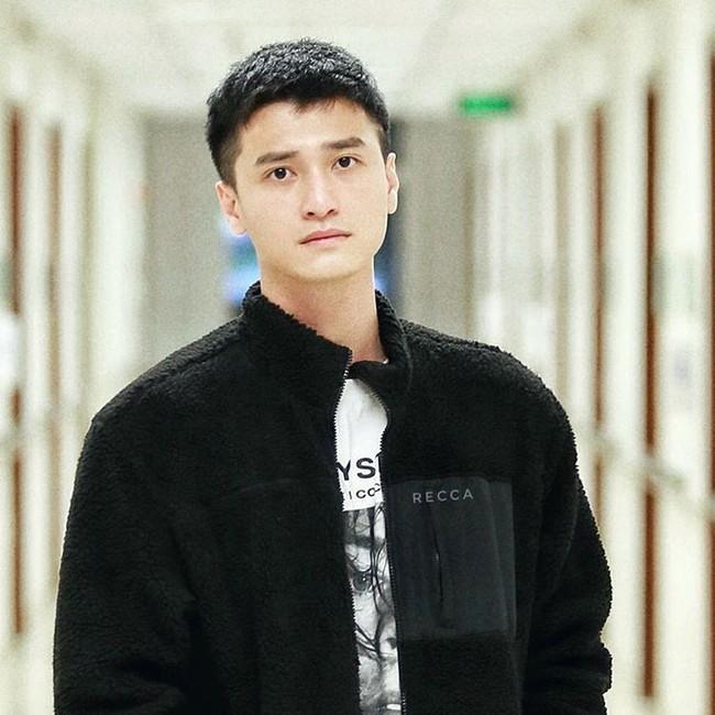 Huỳnh Anh lại gây choáng khi bày tỏ thấy thật... vô phúc cho ai thuê đạo diễn phim của Chi Pu - Lan Ngọc  - Ảnh 1.