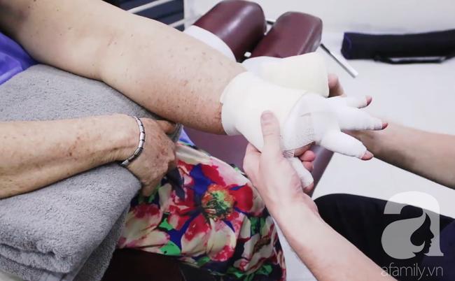 Hạnh phúc ngập tràn của người phụ nữ 15 năm mang cánh tay voi và phải cắt ngực trị ung thư vú - Ảnh 3.