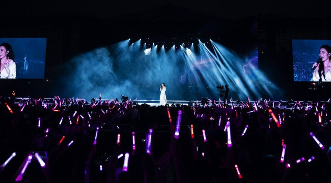 Đông Nhi chơi lớn khi chiếu online toàn bộ liveshow TEN ON TEN tặng fan - Ảnh 5.