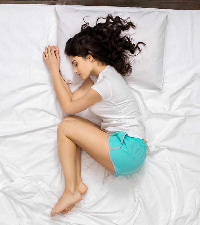 Lợi ích và tác hại của từng tư thế ngủ, tư thế ngủ thứ 4 được coi là tốt nhất - Ảnh 1.