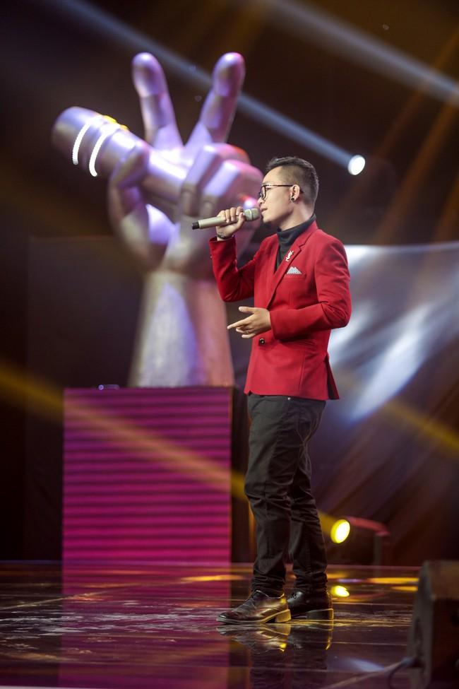 """The Voice 2019 mở màn: Thanh Hà bị Tuấn Ngọc gọi là gà mái, bất ngờ với chiếc ghế """"không giống ai"""" của Hồ Hoài Anh - Ảnh 15."""