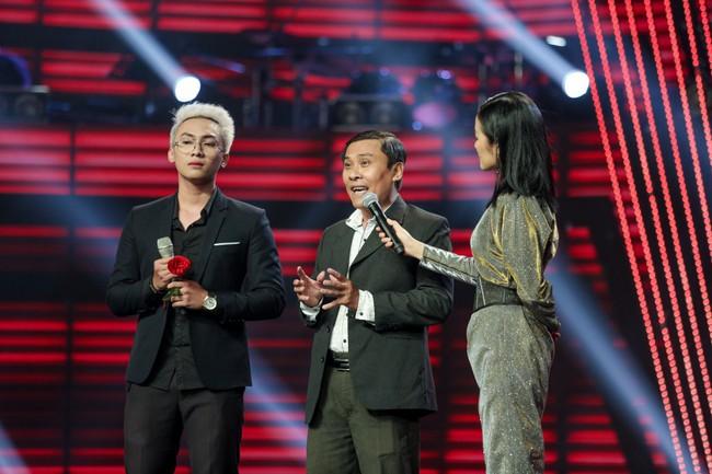 """The Voice 2019 mở màn: Thanh Hà bị Tuấn Ngọc gọi là gà mái, bất ngờ với chiếc ghế """"không giống ai"""" của Hồ Hoài Anh - Ảnh 10."""