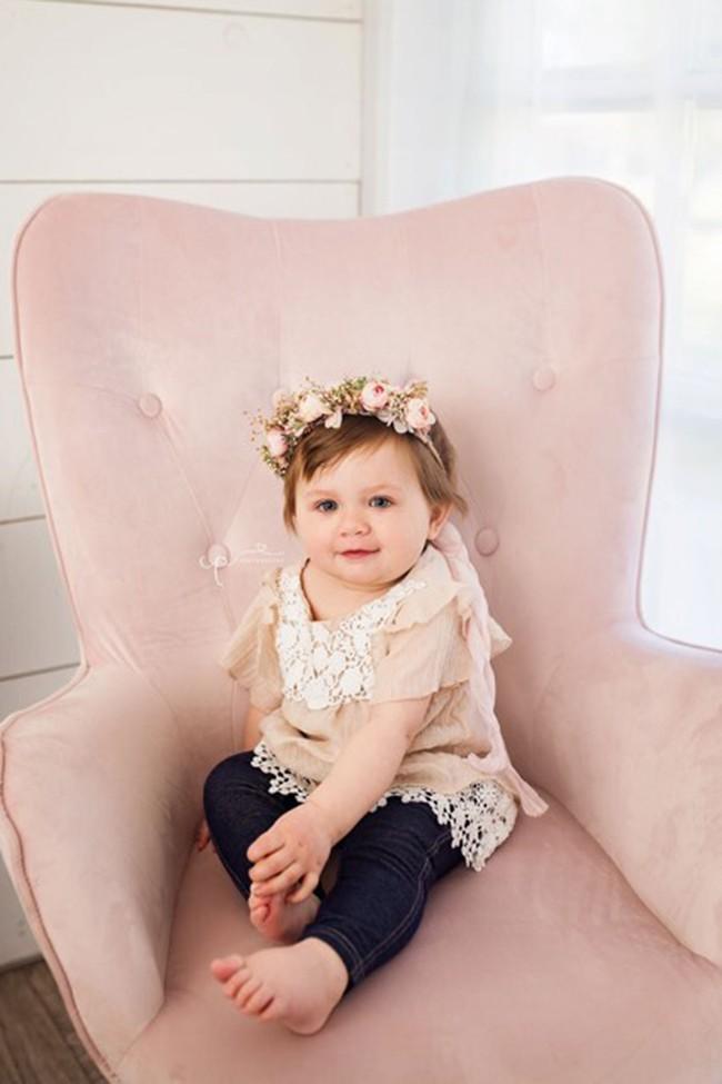 Bé gái 1 tuổi đánh bại ung thư giai đoạn 4 và những bức ảnh thông báo cái kết không thể ngọt ngào hơn - Ảnh 3.