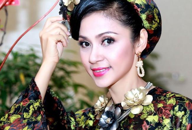 """Việt Trinh: """"Nữ hoàng"""" thập niên 90 từ bỏ danh vọng, làm mẹ đơn thân - Ảnh 1."""