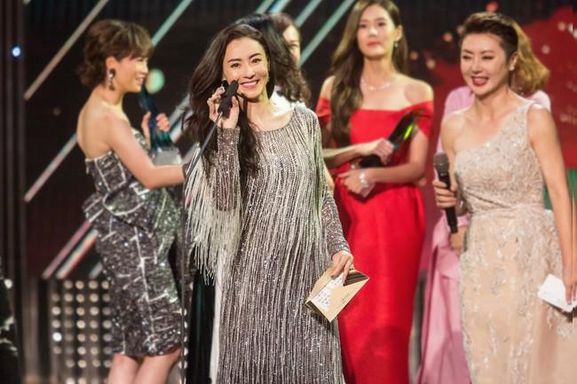 Trương Bá Chi khoe nhan sắc đỉnh cao sau tin đồn giao quyền nuôi con cho Tạ Đình Phong - Ảnh 3.