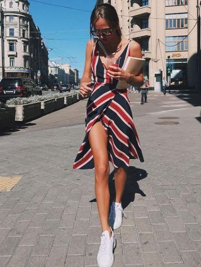 6 kiểu váy chị em nhất định phải sắm trong hè này, đặc biệt là với những nàng bánh bèo thực thụ - Ảnh 10.