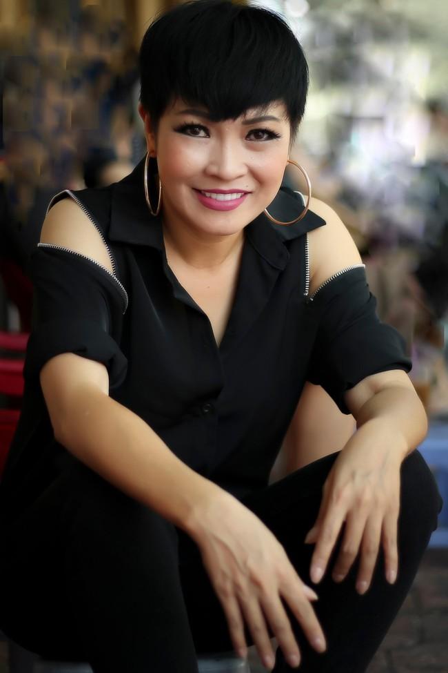 Vừa tiết lộ 14 năm làm mẹ đơn thân, Phương Thanh bất ngờ khoe giọng cao chót vót trong ca khúc mới - Ảnh 1.