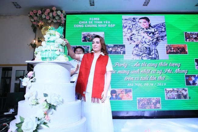 Sinh nhật tuổi 47, Phi Nhung không tổ chức tiệc xa hoa mà làm điều bình dị, ấm lòng này cho quê hương - Ảnh 6.