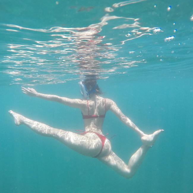 Phương Trinh Jolie gây sốt khi tập yoga dưới nước, hóa ra bí quyết giữ dáng của diễn viên xinh đẹp này rất đơn giản! - Ảnh 3.