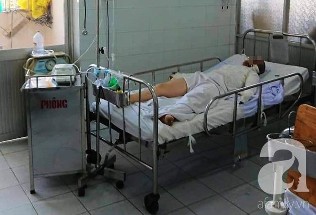 TP.HCM: Thương vợ bỏng nặng, chồng đau đớn đòi bán thận lo tiền cứu vợ - Ảnh 2.