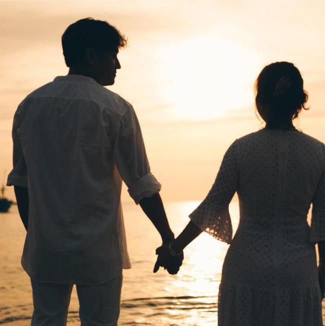 Diễn viên Quý Bình nói gì trước tin đồn chuẩn bị kết hôn sau chuyện tình cảm với Lê Phương? - Ảnh 1.