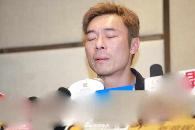 Vụ ngoại tình chấn động TVB: Toàn cảnh buổi xin lỗi của Hứa Chí An, cúi gập người khóc lóc thừa nhận vụng trộm với Á hậu Hong Kong - Ảnh 2.