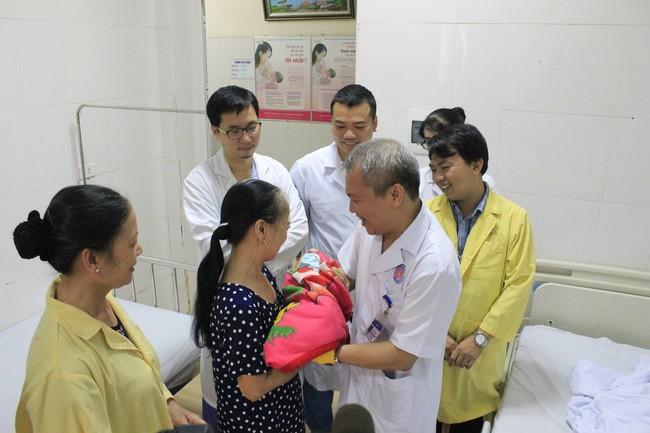 Kỳ diệu: Một sản phụ mắc bệnh tim bẩm sinh phức tạp vừa sinh con thành công - Ảnh 1.