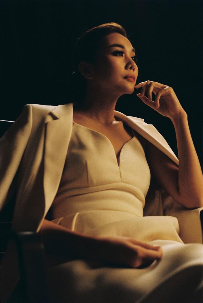 Dân mạng sốc nặng với phim mới Chi Pu đóng chung với Thanh Hằng, không hiểu sao lại có cả... Mai Phương Thúy - Ảnh 9.