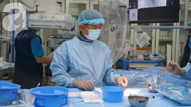 15 giờ phẫu thuật ngoạn mục cứu nữ bệnh nhân mang khối u não khổng lồ, nhiều bệnh viện đã chê - Ảnh 3.