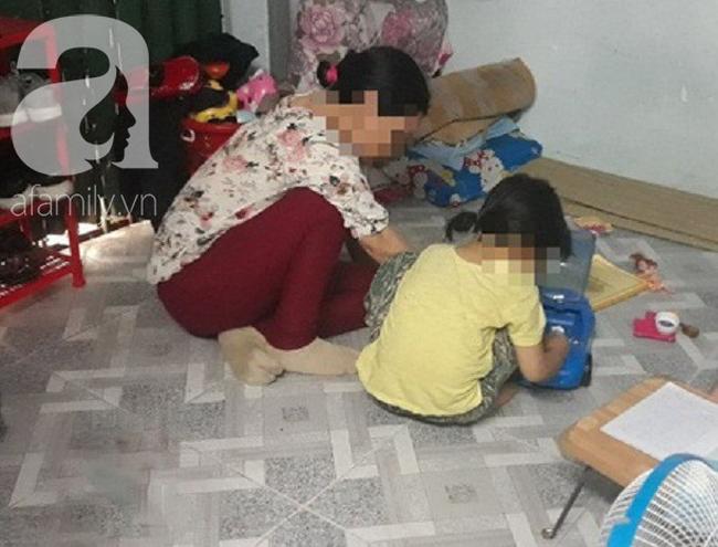 Bé gái 5 tuổi nghi bị gã xe ôm dâm ô: Con bé sợ hãi không dám ra ngoài, nửa đêm giật mình la hét - Ảnh 1.