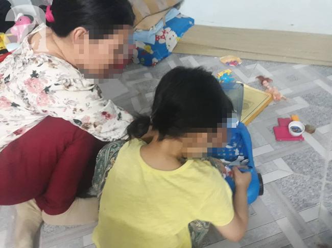 Vụ bé gái 5 tuổi nghi bị gã xe ôm xâm hại trong phòng trọ: Hội Bảo vệ Quyền trẻ em TP.HCM vào cuộc - Ảnh 1.