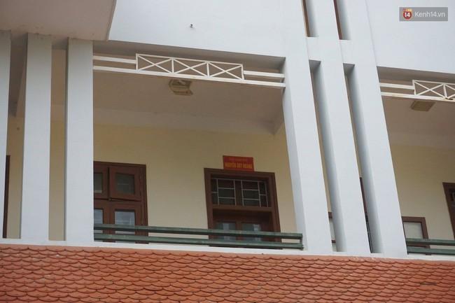 Sở GD&ĐT tỉnh Sơn La bỗng neo lãnh đạo sau vụ gian lận điểm thi, nhiều phòng ban cửa đóng then cài - Ảnh 3.