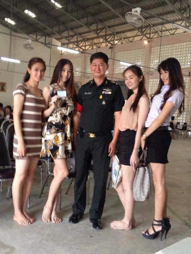 Những người đẹp chuyển giới ở kì khám nghĩa vụ quân sự Thái Lan: Đến con gái còn phải trầm trồ! - Ảnh 5.