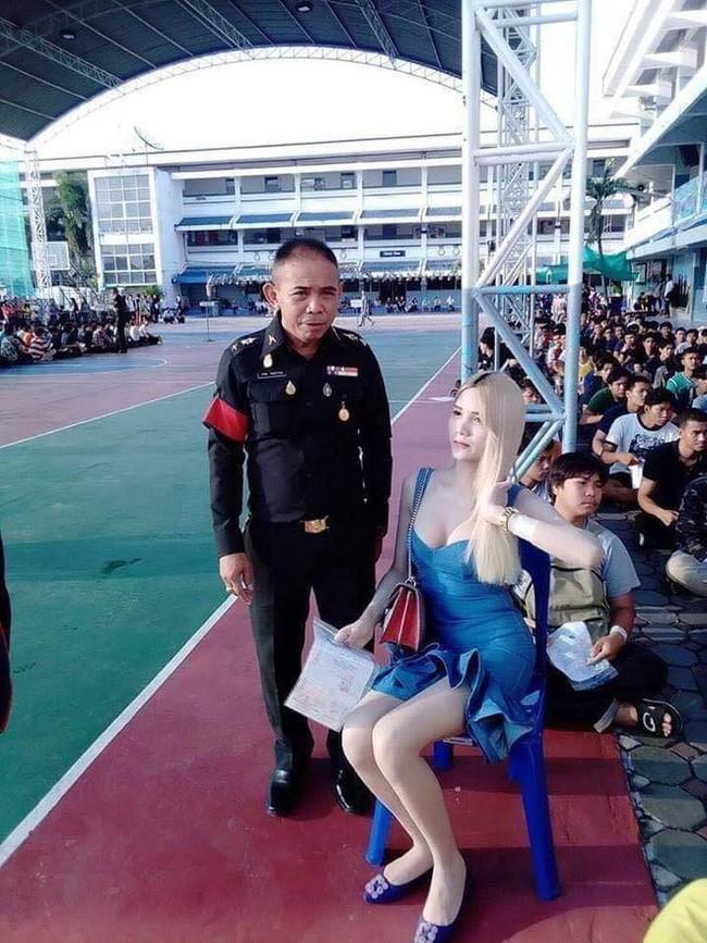 Những người đẹp chuyển giới ở kì khám nghĩa vụ quân sự Thái Lan: Đến con gái còn phải trầm trồ! - Ảnh 6.