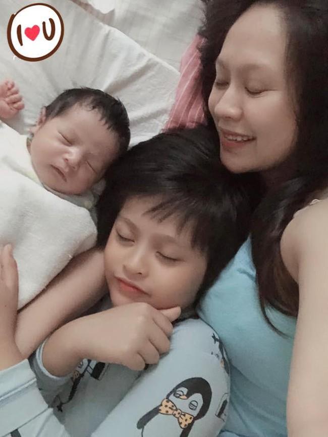 Vợ chồng Thanh Thúy - Đức Thịnh 10 năm thay 20 người giúp việc và hiện chi 26 triệu mỗi tháng cho ba giúp việc cùng lúc để chăm con - Ảnh 2.