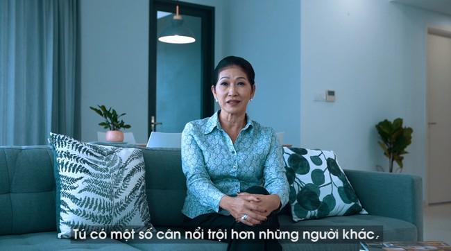 Mẹ Minh Tú tiết lộ sốc: Con gái bôi kem trộn, xin tiền đi cắt chân - Ảnh 1.