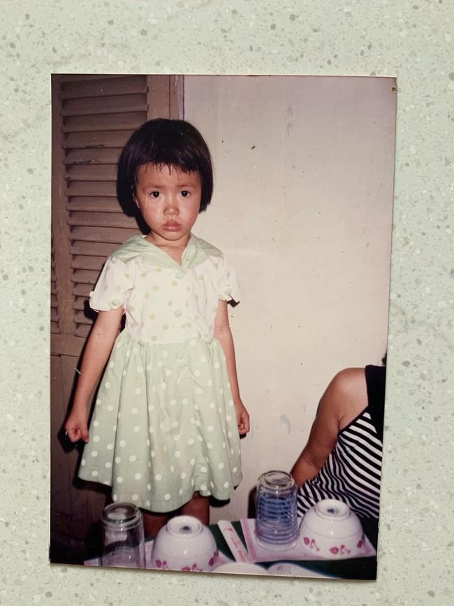 Mẹ Minh Tú tiết lộ sốc: Con gái bôi kem trộn, xin tiền đi cắt chân - Ảnh 2.