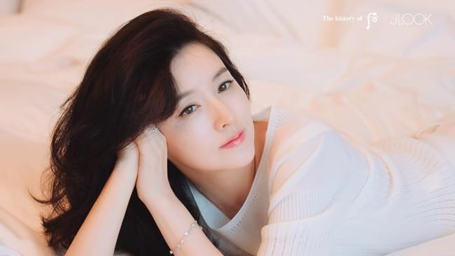 Ở tuổi 48, giai nhân Lee Young Ae vẫn sở hữu dáng nuột eo thon nhờ những bí quyết này - Ảnh 7.