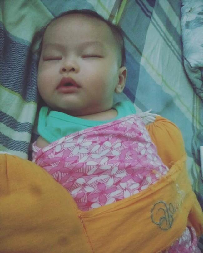 Mẹ Hà Nội và loạt bí kíp luyện ngủ thành công cho con, giúp mẹ từ nát không khác gì giẻ lau đến thoải mái gác chân bố xem phim mỗi tối - Ảnh 4.