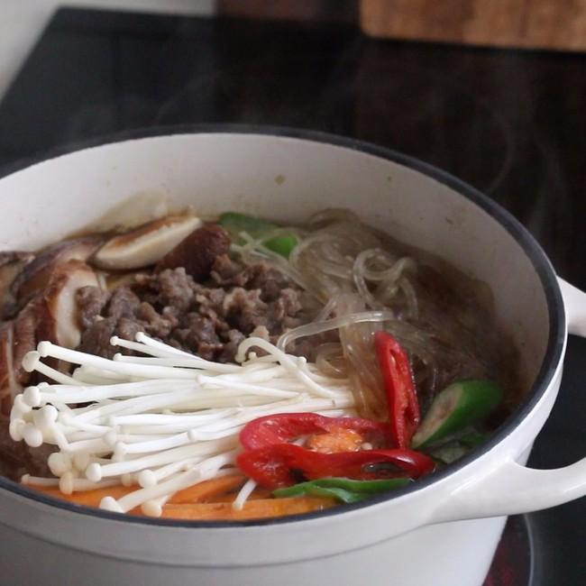 Bữa tối nấu nồi miến bò thì vừa đủ chất vừa ngon miệng lại chẳng lo tăng cân - Ảnh 5.