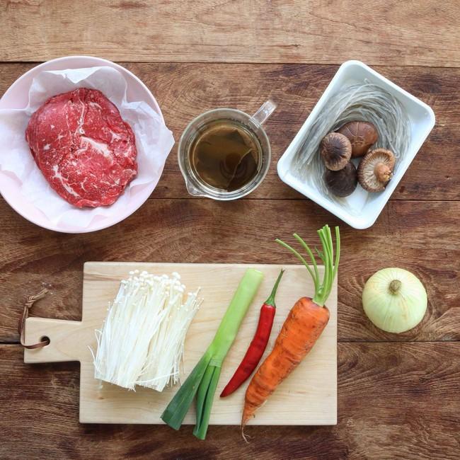 Bữa tối nấu nồi miến bò thì vừa đủ chất vừa ngon miệng lại chẳng lo tăng cân - Ảnh 1.