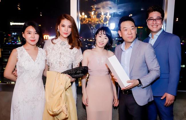 Bị đồn sắp đám cưới lần 2, Trương Ngọc Ánh vẫn bình thản khoe nhan sắc của gái một con - Ảnh 7.
