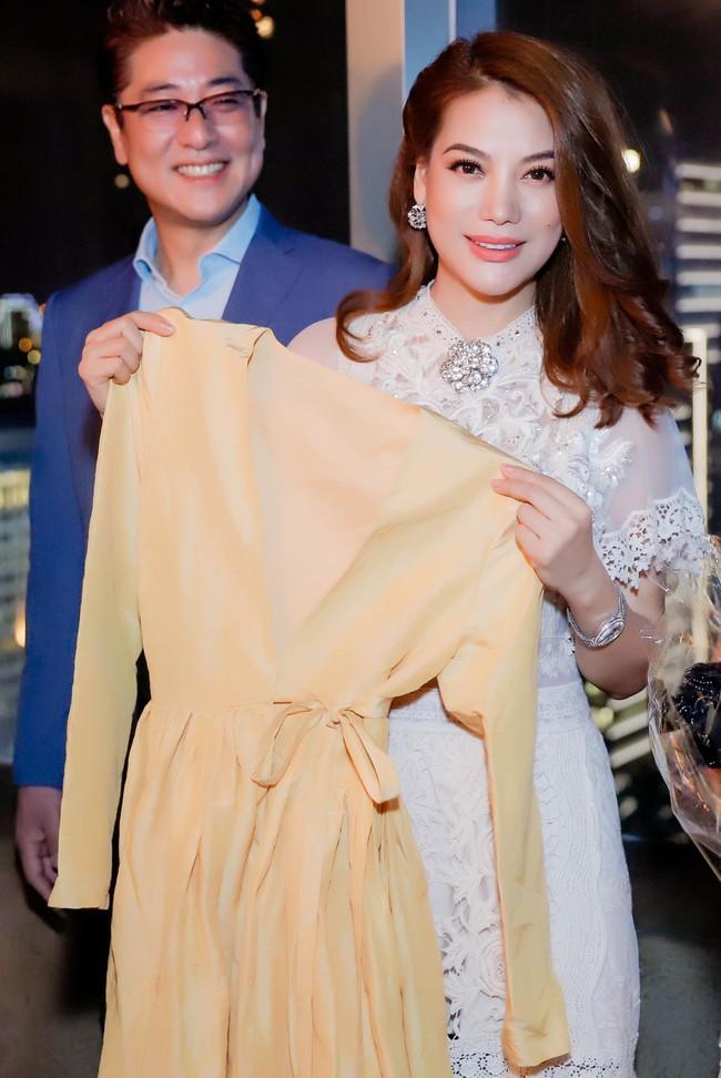 Bị đồn sắp đám cưới lần 2, Trương Ngọc Ánh vẫn bình thản khoe nhan sắc của gái một con - Ảnh 2.