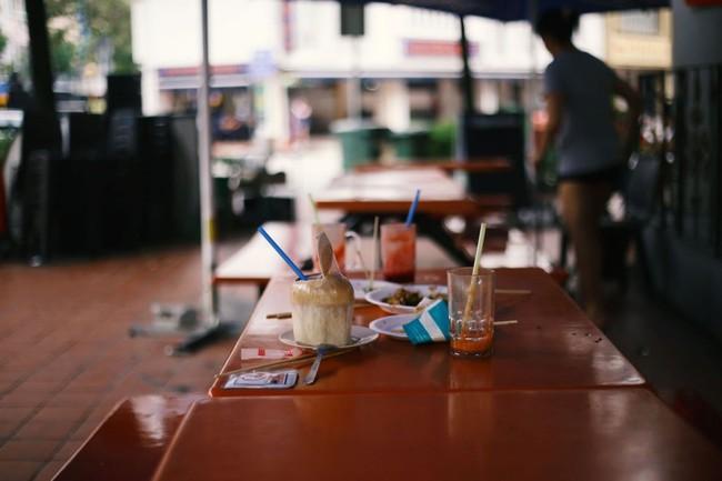 Nổi tiếng sạch nhất thế giới nhưng người dân Singapore ngày càng lười và ở bẩn, ăn xong đến khay cũng không thèm dọn - Ảnh 6.