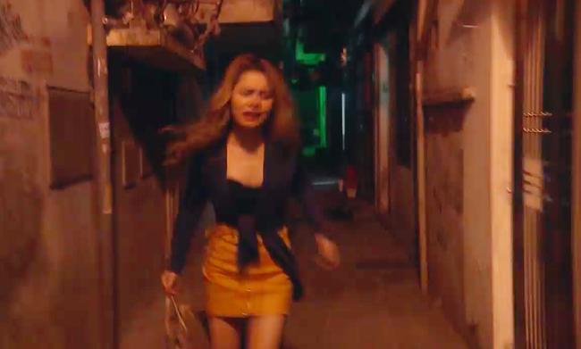 Phim của Hoàng Thùy Linh gây sốc với cảnh tên biến thái tấn công tình dục gái trẻ đi đêm - Ảnh 2.