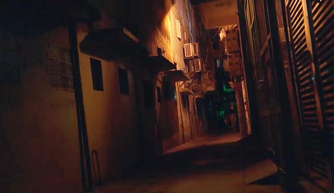 Phim của Hoàng Thùy Linh gây sốc với cảnh tên biến thái tấn công tình dục gái trẻ đi đêm - Ảnh 3.