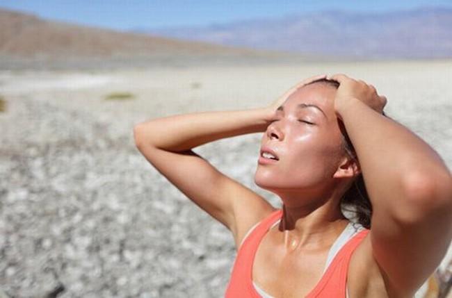 Bệnh nhân đột quỵ mỗi ngày tăng mạnh do nắng nóng, chuyên gia khuyến cáo cần làm ngay điều này để cứu người bệnh - Ảnh 4.