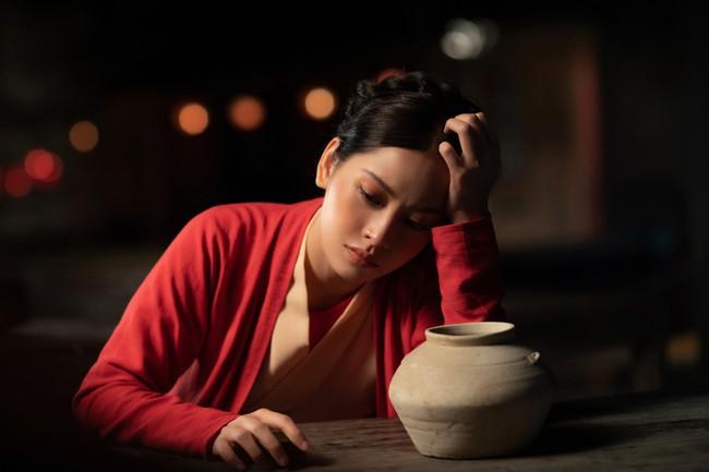 Chi Pu làm cô Cám đáng thương, fan bỗng dưng muốn cướp nhà vua khỏi tay chị Tấm để tặng Chi Pu  - Ảnh 2.