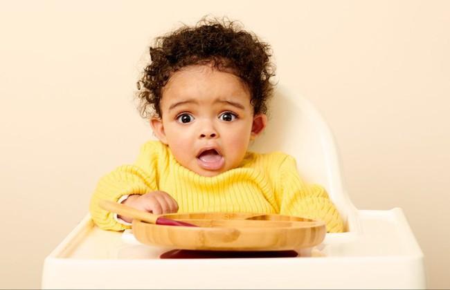 9 biểu cảm phát hờn trên khuôn mặt các bé mỗi khi được cho ăn tiết lộ điều con thực sự muốn nói - Ảnh 5.