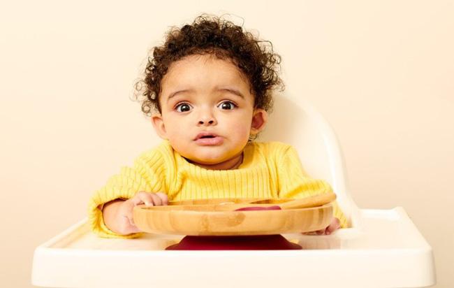9 biểu cảm phát hờn trên khuôn mặt các bé mỗi khi được cho ăn tiết lộ điều con thực sự muốn nói - Ảnh 8.